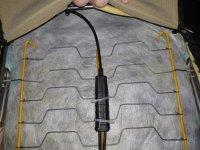07_ schwarzes kabel oben geht zum hebel.jpg